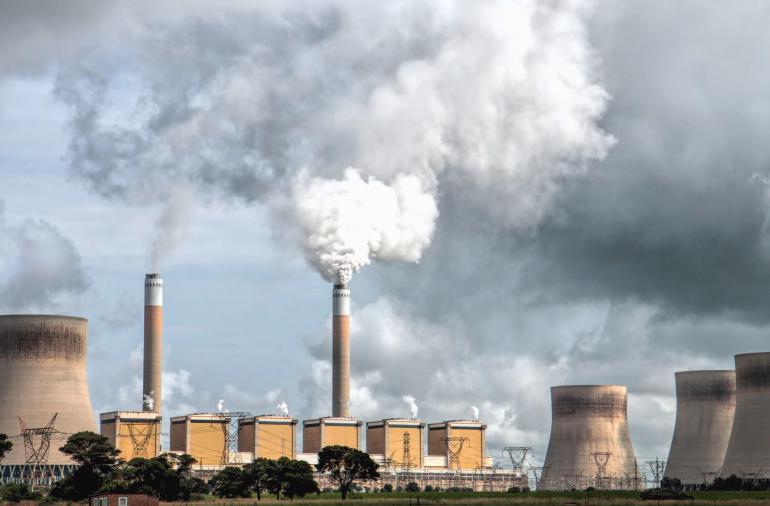 FÖRNYELSEBART slår undan kärnkraft på kommersiella grunder.